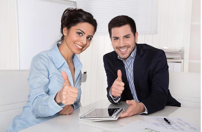 Zagraniczni pracownicy a dział kadrowo-płacowy – kiedy warto skorzystać z outsourcingu